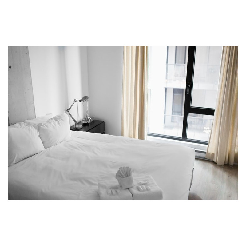 Double bed Fitted Sheet Polyester White - Lodge Bedding Supplies